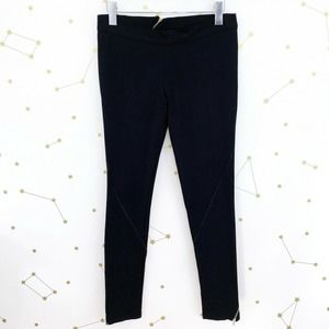 Under.Ligne by Doo.ri • Zippered Skinny Pants